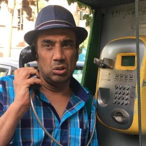 چهرهها/ نوستالژی نصرالله رادش با تلفن عمومی