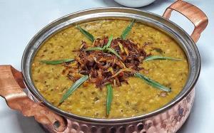 طرز تهیه «آش سبزی» سنتی به روش اصیل شیرازی ها