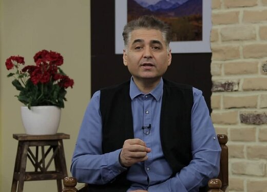 بشیر موسوی، مجری افغانستان: از اشعار شاعران فارسیزبان، زیاد بهره میبرم
