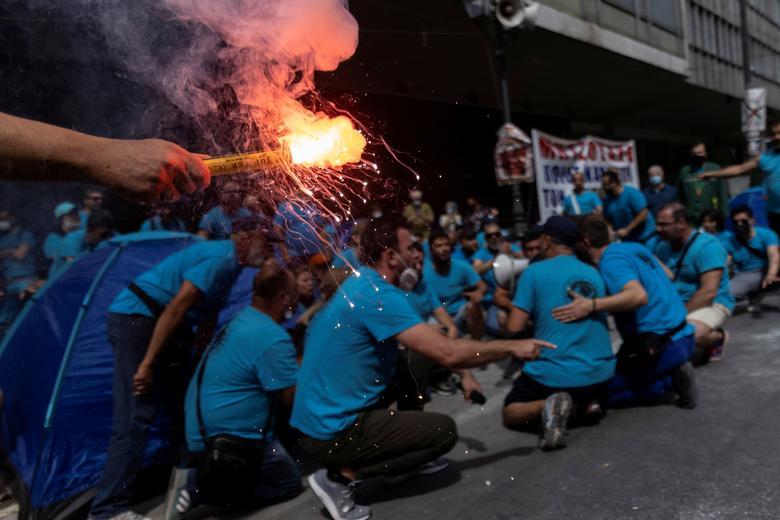 اعتصاب 24 ساعته کارگران یونانی در آتن