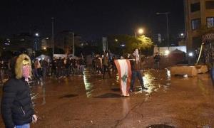 معترضان لبنانی مسیرهای اصلی شهرها را بستند
