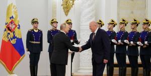 جایزه پوتین به سازندگان واکسن «اسپوتنیک وی»