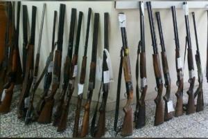 کشف ۴۲ قبضه اسلحه قاچاق در اهواز