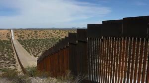پنتاگون بودجه ساخت دیوار مرزی مکزیک را قطع کرد