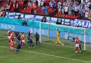شوک ترسناک بازی دانمارک - فنلاند را نیمه تمام گذاشت!
