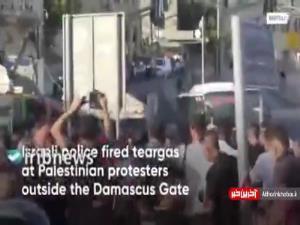 استفاده از گاز اشک آور برای متفرق کردن معترضان فلسطینی
