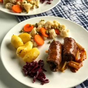 رولت گوشت آلمانی خوشمزه و ساده با سس مخصوص