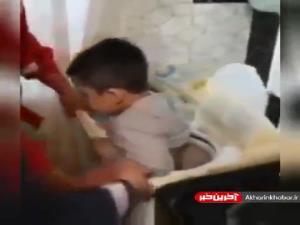 گیر کردن کودک مشهدی در لباسشویی که با تلاش آتشنشان های مشهدی نجات یافت