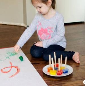 سرگرمی کم هزینه با یخ برای خلاقیت و بازی بچه ها