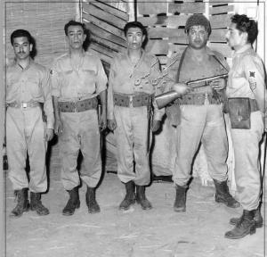 تصویری از علی نصیریان و 4 بازیگر معروف و خاطره انگیز در دهه چهل