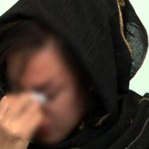 شکنجه مادر جوان جلوی چشمان کودکش