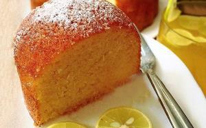 طرز تهیه کیک ماست خوشمزه با بافت نرم اسفنجی و پف زیاد