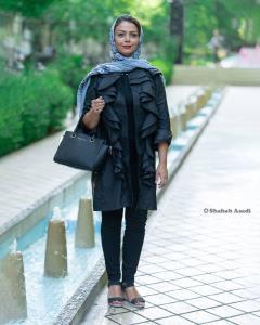 چهرهها/ ژست شبنم فرشادجو در مقابل دوربین عکاس