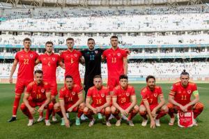 عکس تیمی عجیب ولز در یورو!
