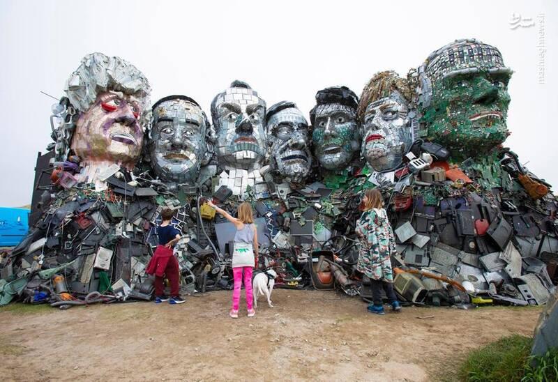 ساخت مجسمه سران جی 7 با زباله!
