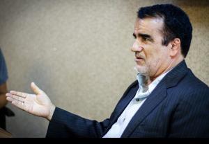 نمازی: همتی نباید رئیسی را مستقیم مورد خطاب قرار میداد