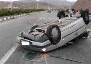 واژگونی پژو با یک کشته و ۳ مجروح در جاده کوه چنار_شیراز