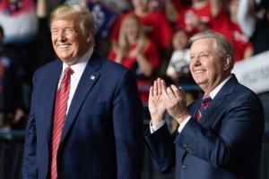 سناتور لیندسی گراهام: دلم برای ترامپ تنگ شده!