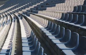 میدونستین صندلی های استادیوم رو چطوری نو می کنن؟