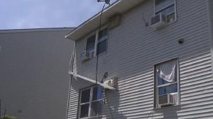 فرود مرگبار کودک در حیاط خانه همسایه