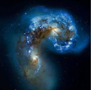 یک جفت کهکشان در حال تعامل