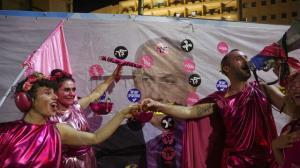 مخالفان نتانیاهو پایان نخست وزیری وی را جشن گرفتند