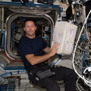 نگاهی به زندگی فضانوردان در فضا
