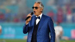 اجرای زنده خواننده نابینای ایتالیایی در افتتاحیه یورو ۲۰۲۰