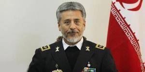دریادار سیاری: دفاع در برابر تهدیدها تعطیلبردار نیست