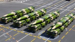 چین موشکهای «قاتل ناوهای هواپیمابر» را آزمایش کرد