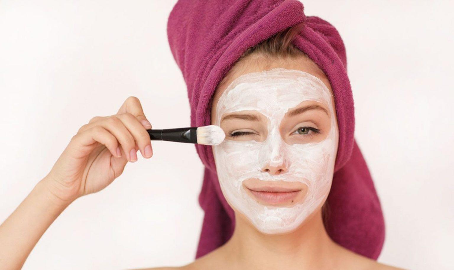 ۵ ماسک لایه بردار خانگی درخشان کننده و ارزان
