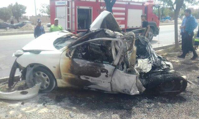 آتشسوزی و انفجار یک خودروی سواری در نیشابور