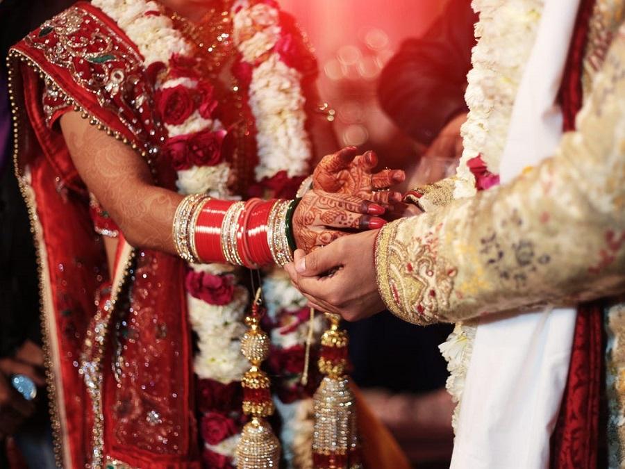 ازدواج داماد هندی با خواهر عروس در حضور جنازه عروس!