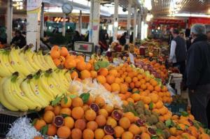 تداوم نوسانات قیمتی در بازار میوه