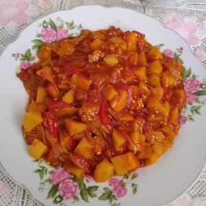 تهیه «یتیمچه» ساده و سنتی بادمجان و گوجه فرنگی تهرانی