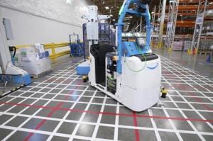 آمازون در انبارهای خود از ربات استفاده میکند