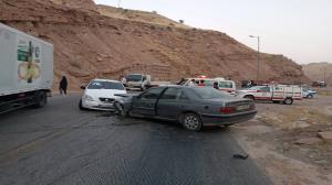 امدادگران هلال احمر دشتستان به ۶ مصدوم تصادف کمک کردند