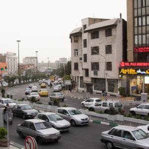 تهران در حال زنانه و پیر شدن است