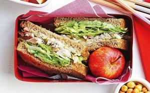 چرا باید ۳۰دقیقه از میانه روز را به ناهار اختصاص دهید؟