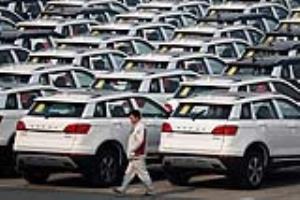 اولین افت فروش صنعت خودروی چین در ۱۴ ماه گذشته رقم خورد