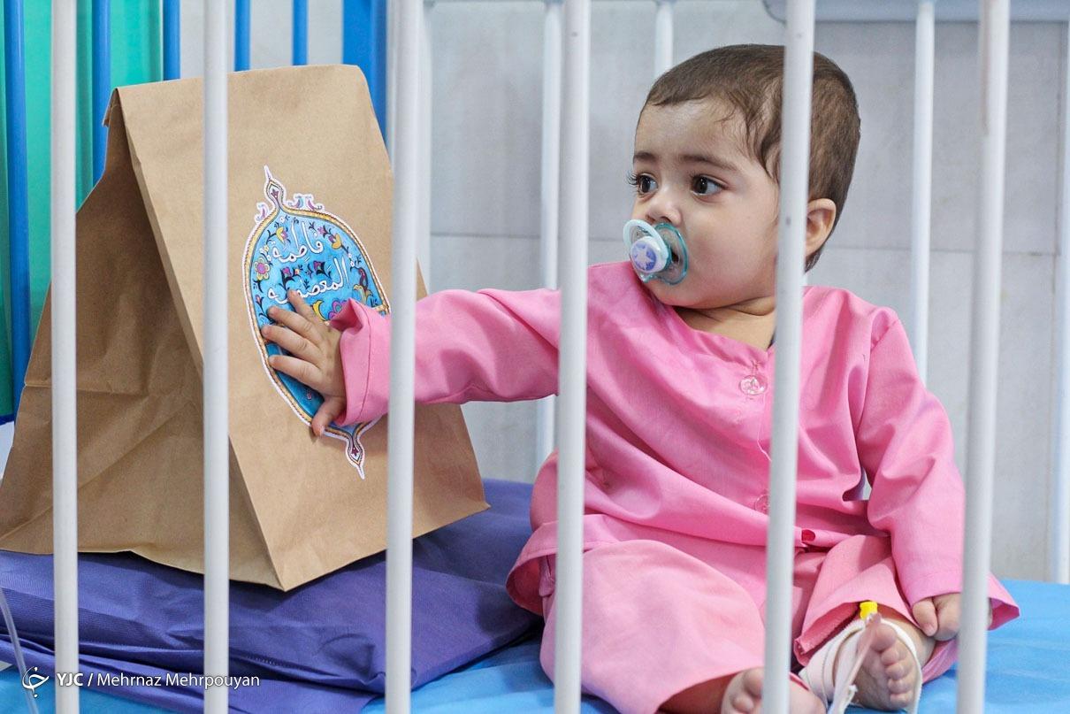 عکس/ بسته های اهدایی دهه کرامت به کودکان بیمار زاهدانی