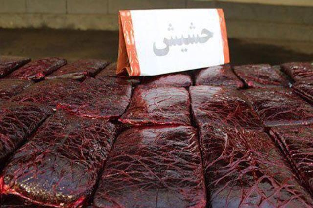 کشف بیش از ۱۶ کیلو حشیش در منزل مرد شیراز