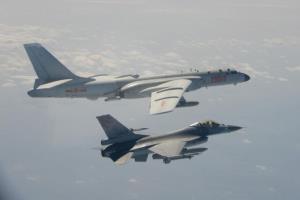 بزرگترین ورود جنگندههای هستهای چین به حریم هوایی تایوان
