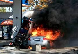آتش سوزی یک پمپ بنزین در نووسیبریسک روسیه