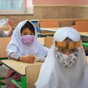 دوراهی آموزش حضوری یا غیرحضوری در مهر ١۴٠٠