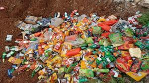 معدوم سازی بیش از ۵.۵ تن فرآورده غذایی فاسد در زاهدان