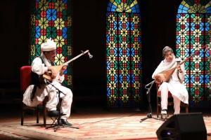 مظلومیت موسیقی نواحی در گفت وگو با عزیز تنها