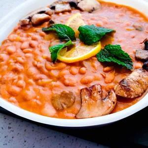 طرز تهیه خوراک لوبیا چیتی ساده و خوشمزه رستورانی با قارچ