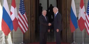 دیدار پوتین و بایدن با یکدیگر قبل از آغاز نشست دو جانبه آمریکا و روسیه