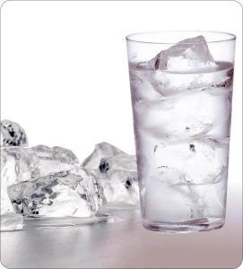 عوارض نوشیدن آب سرد برای بدن